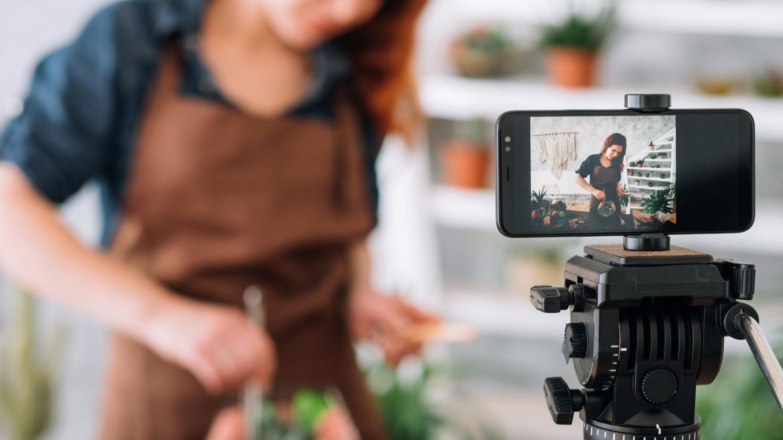 Live-streaming influencers, UGC, Digital Shopping, Social ecommerce, Social sales, social media conversion